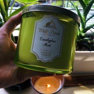 Eucalyptus Mint White Barn Candle